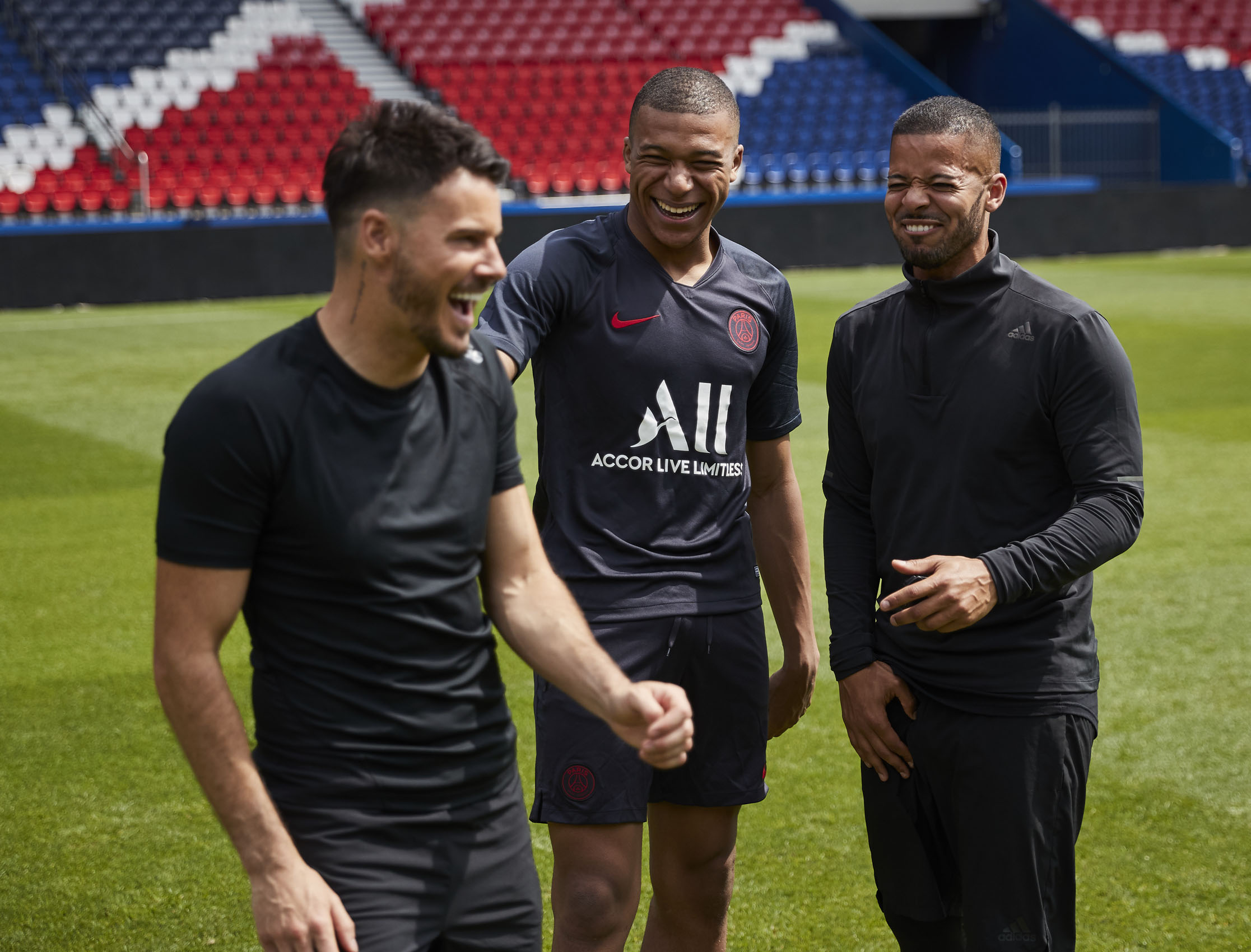 Kylian Mbappe F2 Freestylers Billy Wingrove Jeremy Lynch Paris St Germain © Mark Robinson Photographer EA Sports Volta Fifa20